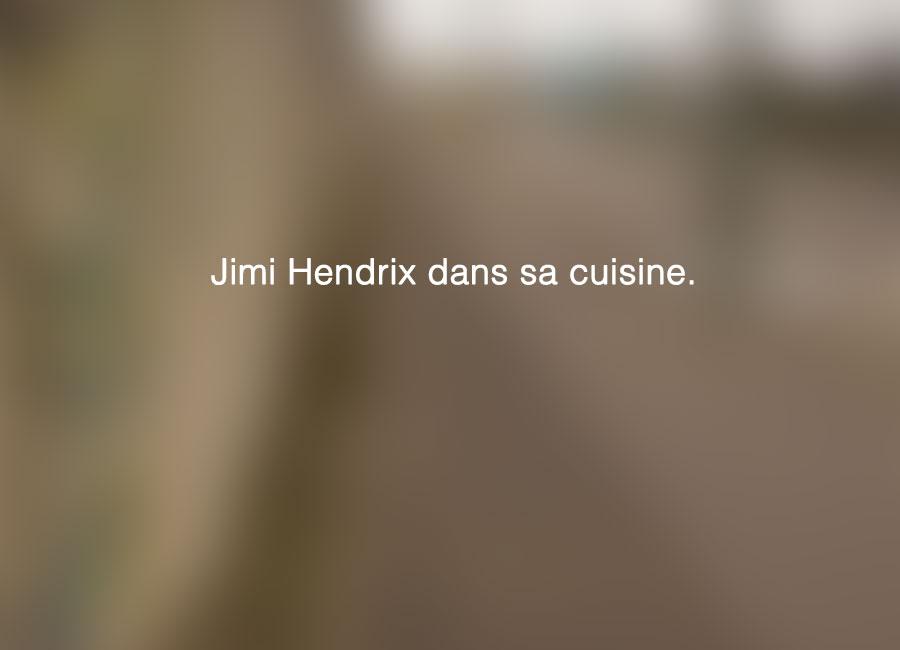 Jimi-Hendrix-dans-sa-cuisine