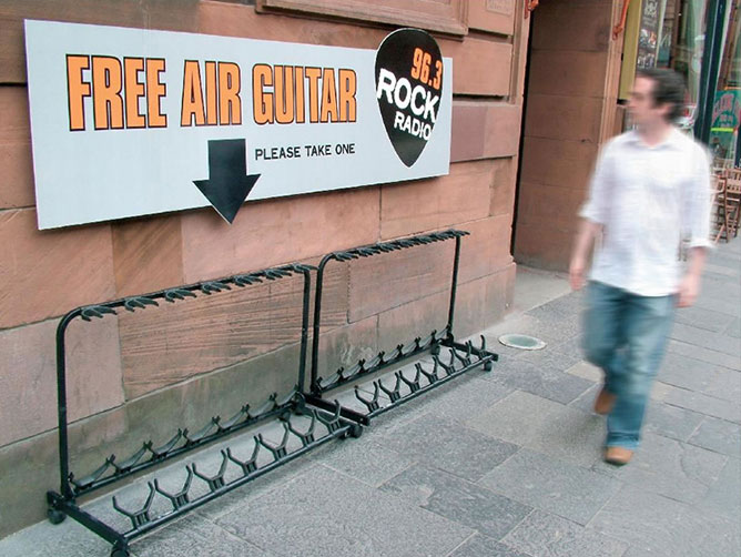 air-guitar photo DR
